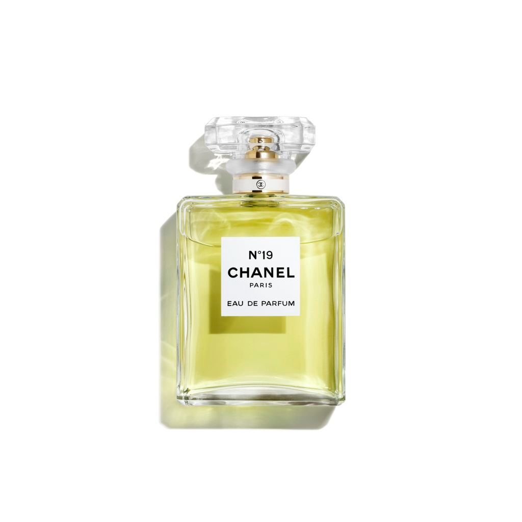 Chanel No. 19 Eau de Parfum 50ml.jpg