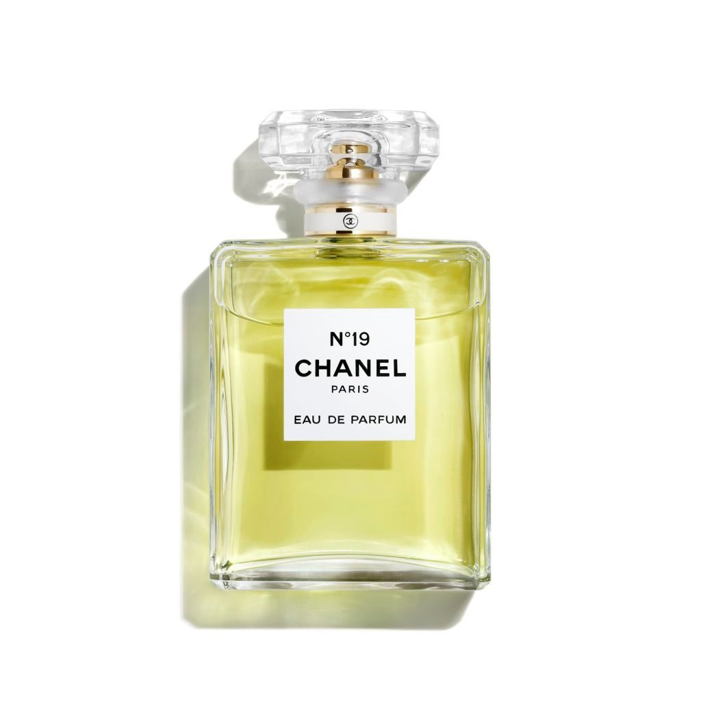 Chanel No. 19 Eau de Parfum 100ml.jpg