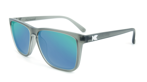 ZNgdQjnHT50JHdOSQzVn_affordable-sunglasses-frosted-grey-green-fastlanes-flyover.png
