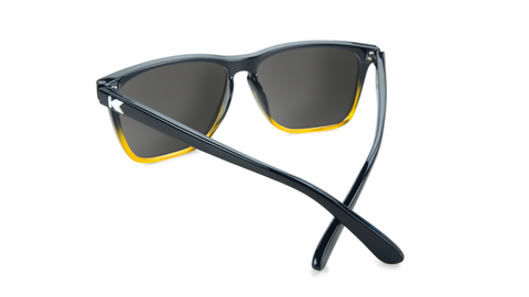 ApHcpFxMTo4jktZD6vM1_affordable-sunglasses-black-yellow-fade-gold-fastlanes-back_1424x1424.png