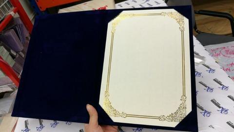 certificate folder velvet black gold stamping malaysia thefancypaper (3).jpg