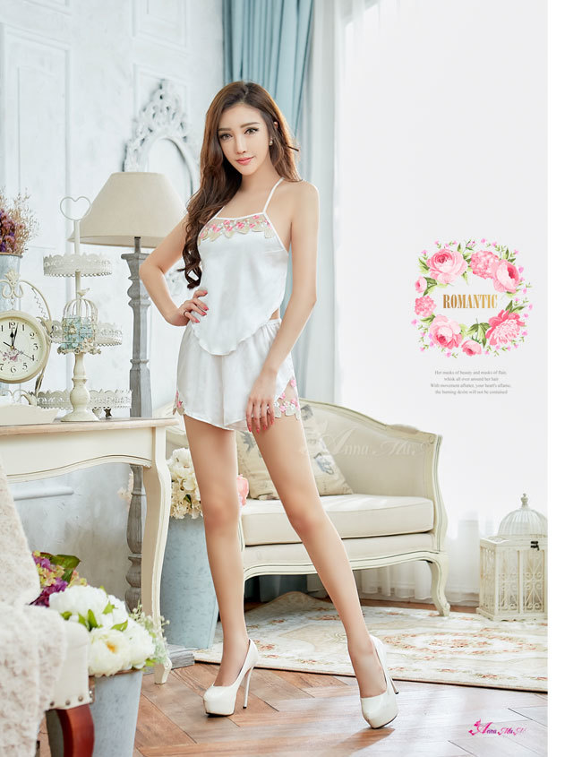 T881 - Elegant girl!Romantic classical embroidery lace two-piece Sleepwear & Slip Babydoll