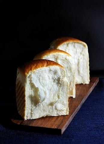 white bread.jpg