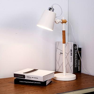 LT001 Scandustrial table lamp.jpg