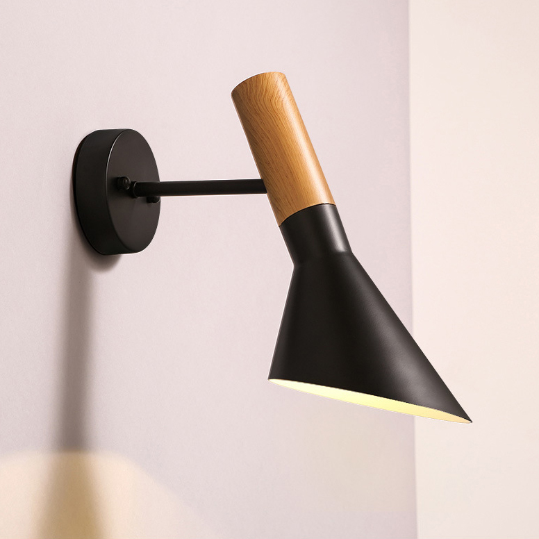 Arne Jacob AJ wall light.jpg