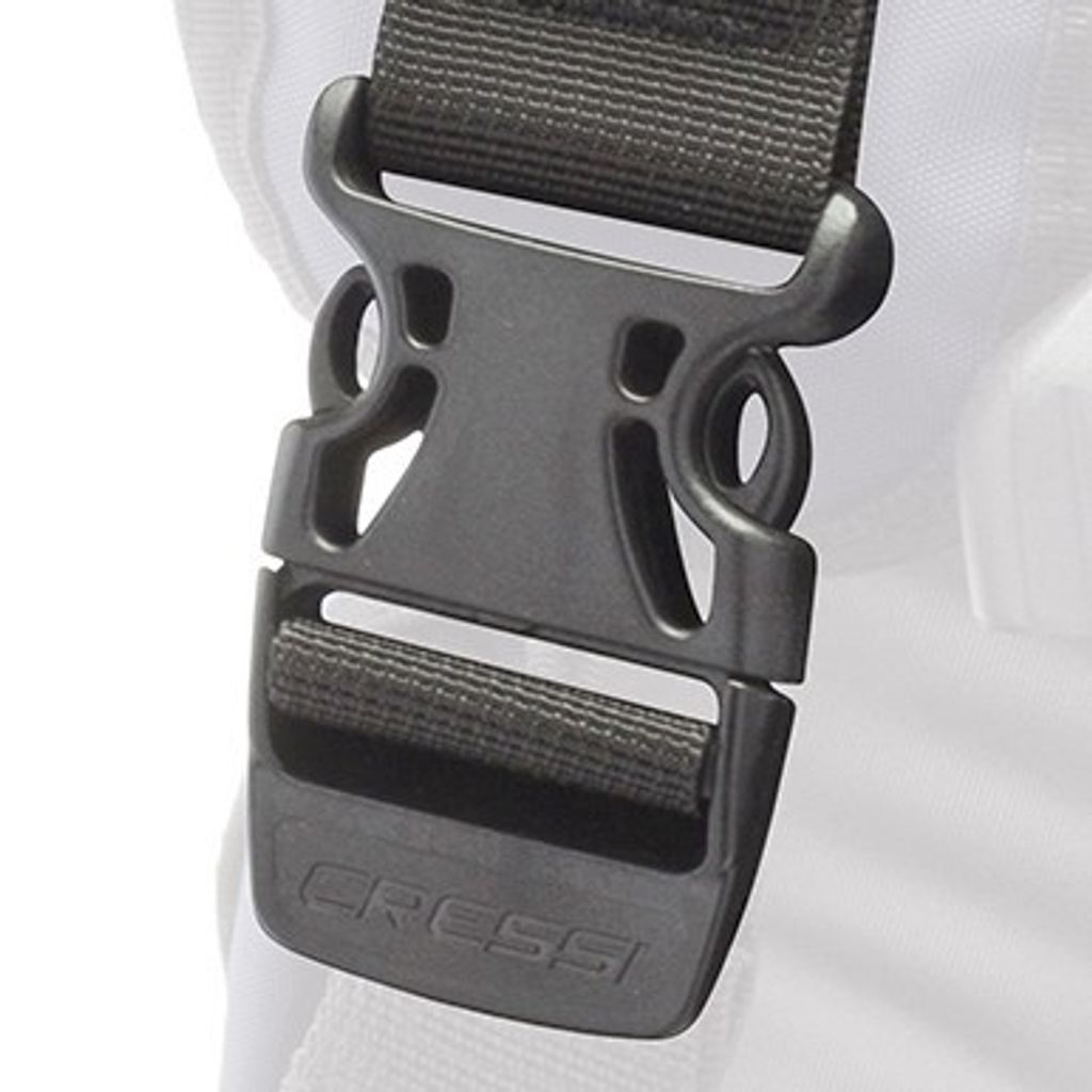 1388_cressi-lightwing-bcd_s-buckles.jpg