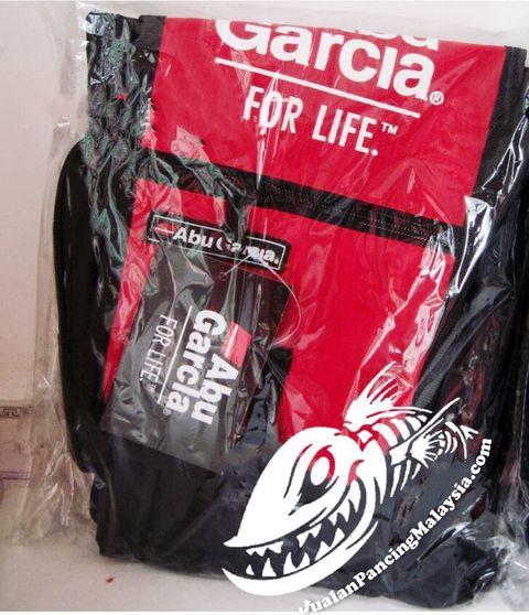 Abu Garcia For Life Waterproof Waist Bagd1.jpg