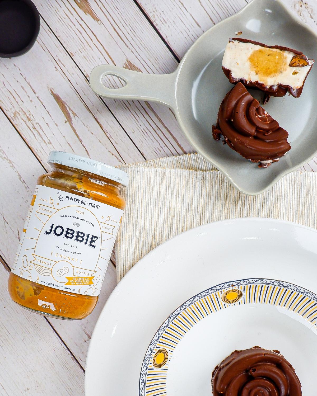 [Mid-Autumn Festival Special] JOBBIE Peanut Butter Ice Cream Chocolate Shell Mooncake with Banana Yolk