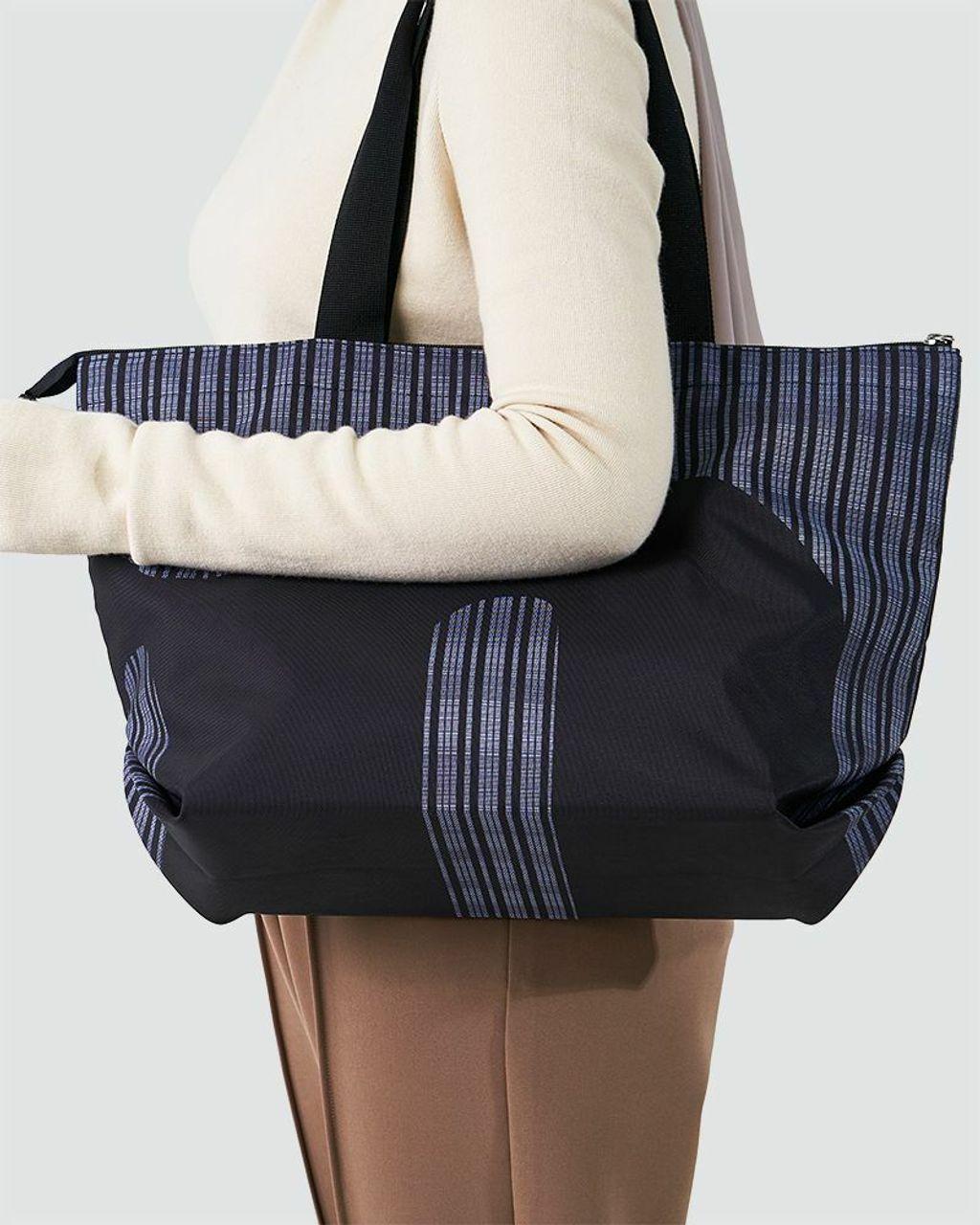 casual_shopper_bag_-_black_4.jpg