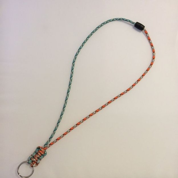 25-Paracord-Lanyard-paracord-projects.jpg