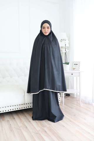 02_TCO Wardah - Black.JPG