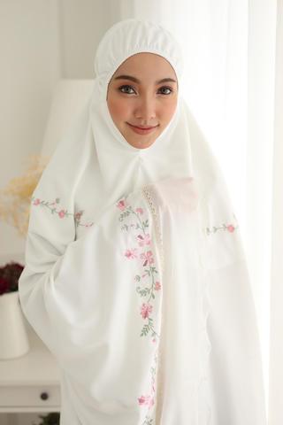 11_Telekung Fleur Blossom_Off White.JPG
