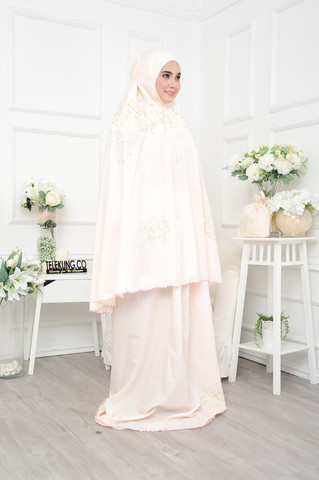 01_Telekung Surihati - Light Peach.JPG