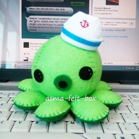 octopus sailor felt plushie.jpg