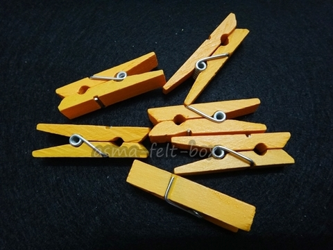 wooden craft clip yellow.JPG