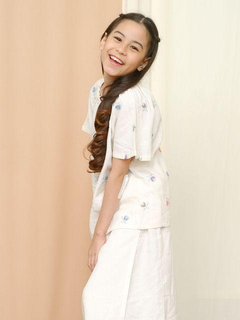 Girl Mimosa White 1.jpg