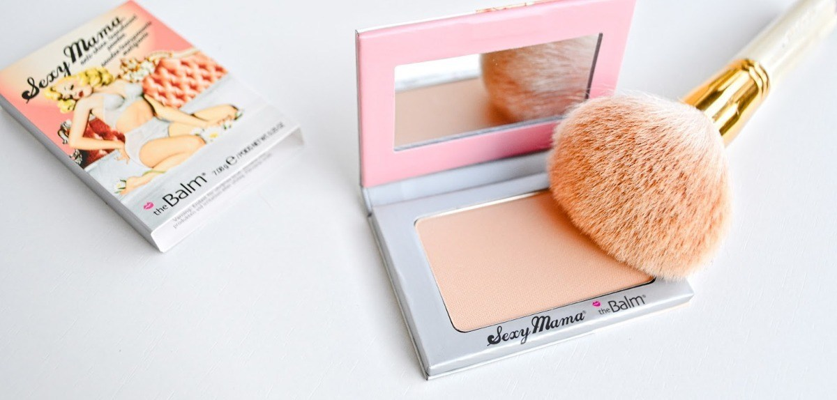 The-Balm-Sexy-Mama-Anti-Shine-Translucent-Powder-04