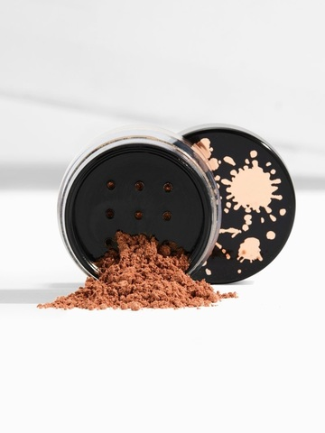 COLOURPOP Luster Dust Loose Highlighter - SHAYLA - Pose.jpg