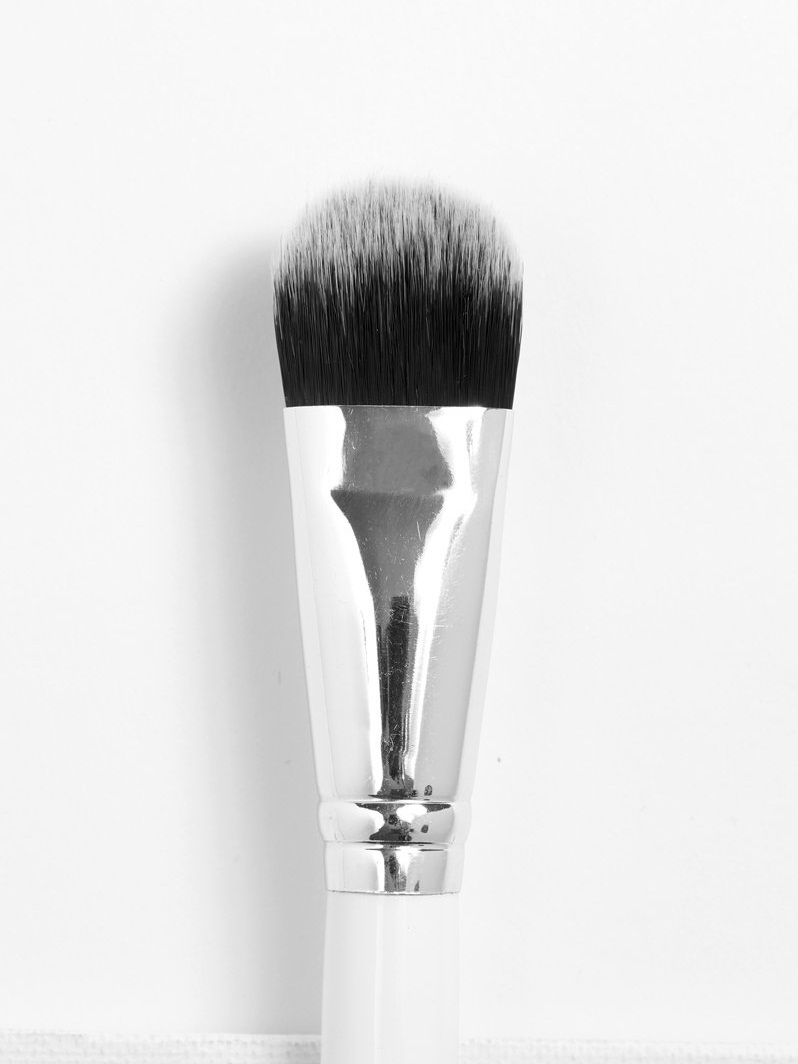Colourpop Brush - Medium Foundation Brush.jpg
