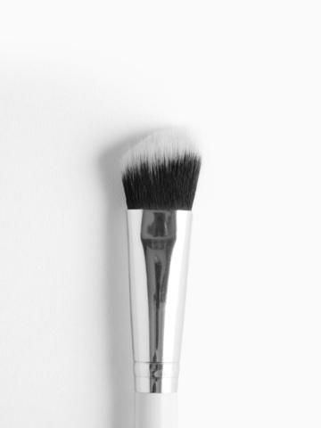 Colourpop Brush - Precision Angled Face Brush.jpg