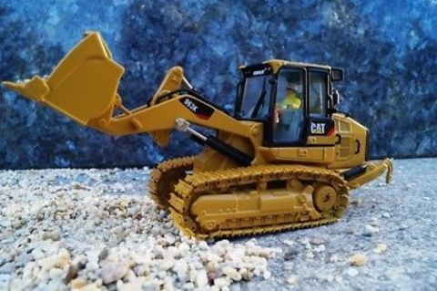 85572 CAT CATERPILLAR 963K TRACK LOADER WITH OPERATOR 1/50 BY DIECAST  MASTERS