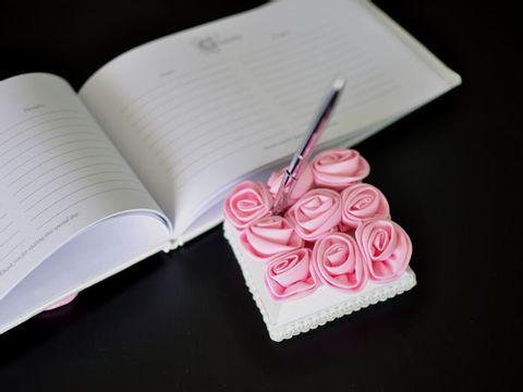 GED9008 Baby Pink Roses Guestbook1.JPG