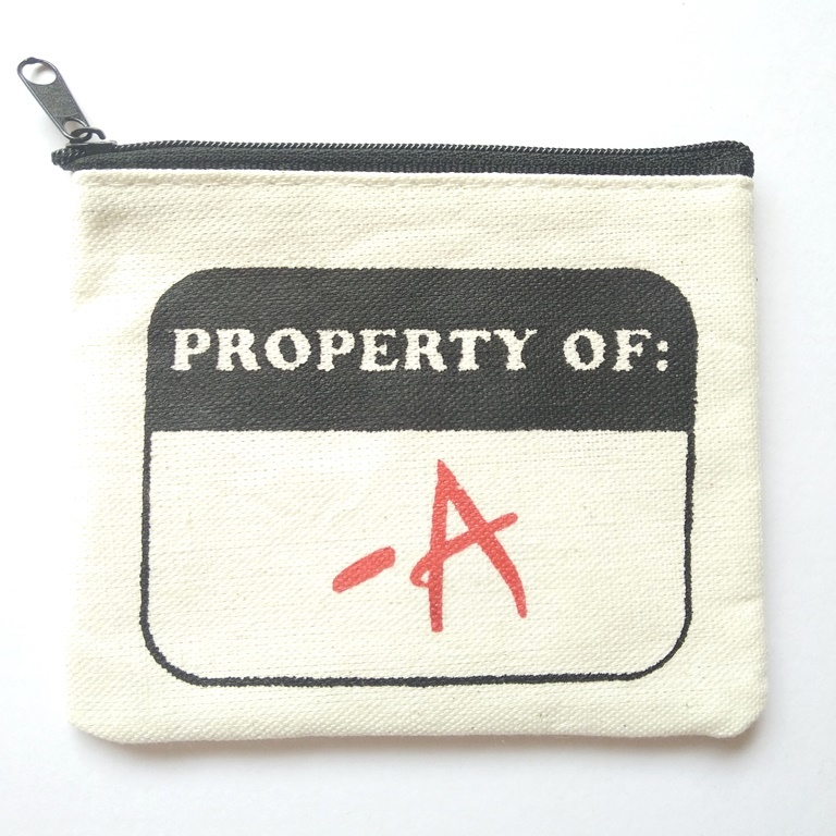 pretty-little-liars-a-coin-purse-1_zpsyknnef1s
