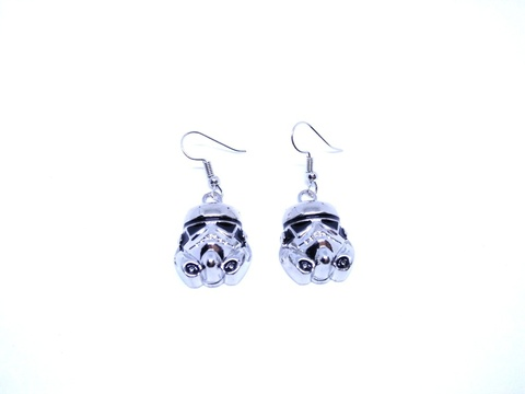Star-Wars-Stormtrooper-Earrings-1.jpg