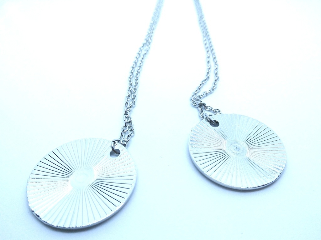 Game-Of-Thrones-Valar-Morghulis-Winter-is-Coming-Necklace-Pair-3.jpg