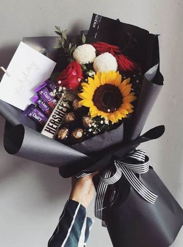 RM169 Rose and Sunflower Bouquet.JPG