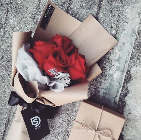 RM85 5 Red Rose & Box Chocolate.JPG
