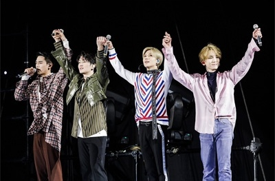 C4415 SHINEE WORLD THE BEST 2018 FROM NOW ON IN TOKYO DOME.jpg