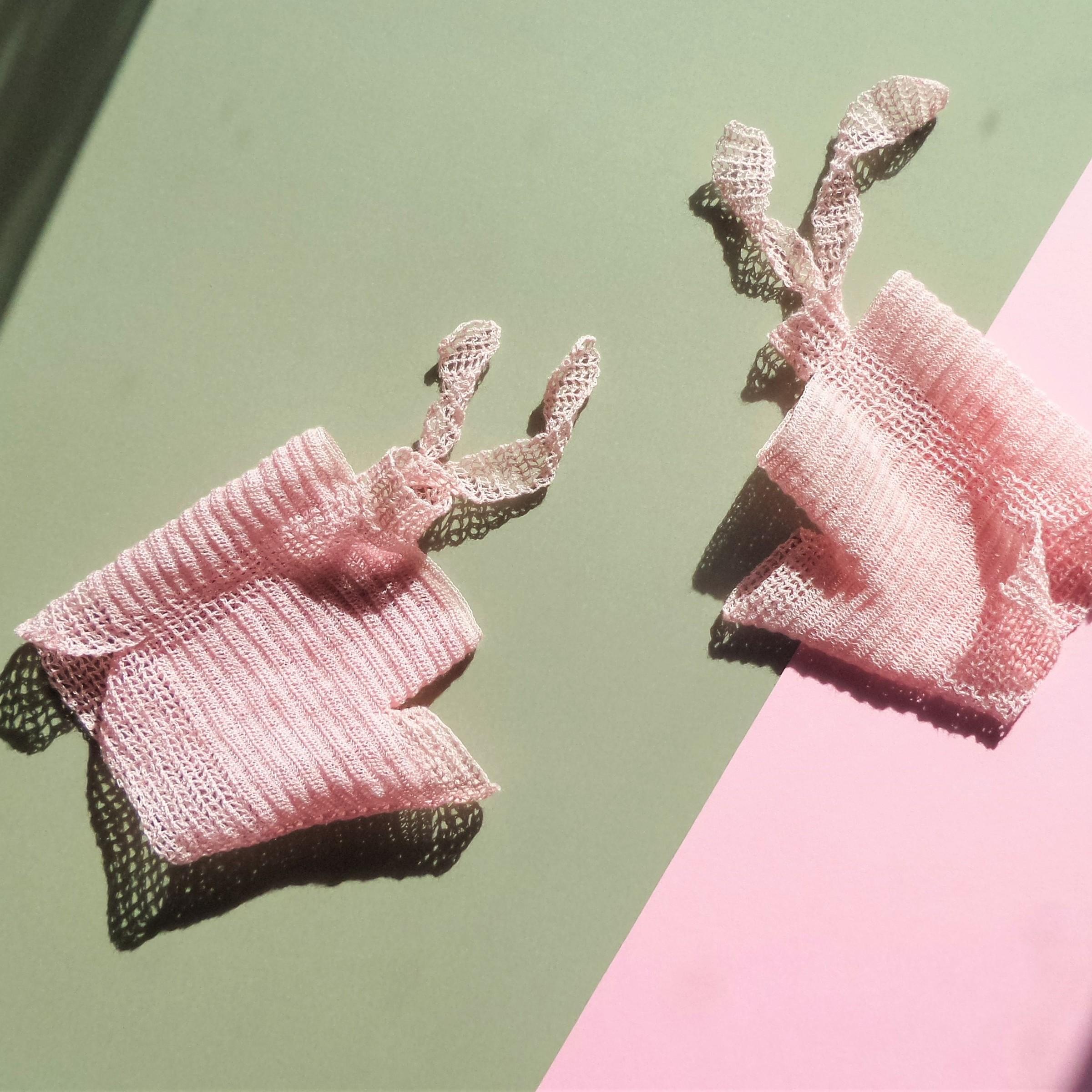 Flying ribbons palepink spring fashiongloves