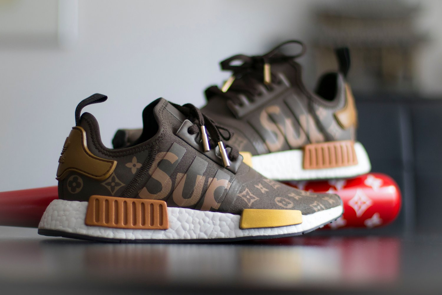 85b1755a98a Adidas NMD R1 x Supreme Louis Vuitton size 11 . Cheap NMD R1
