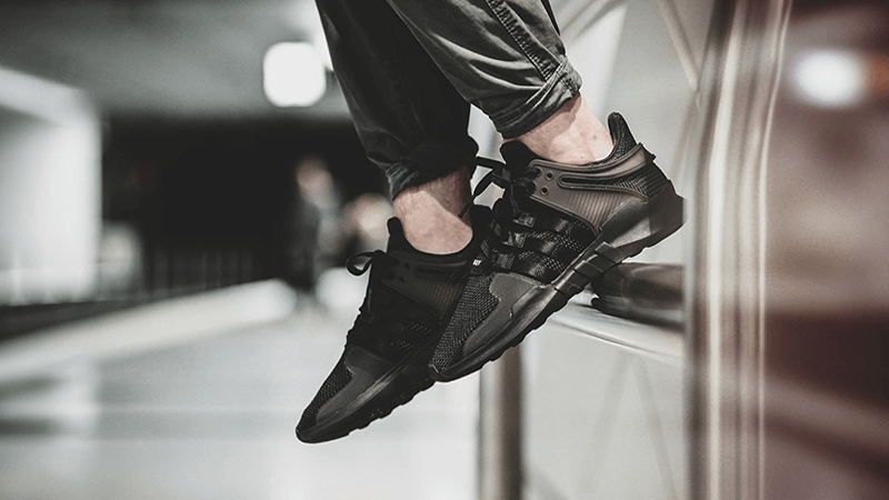 Adidas-EQT-Support-ADV-Black-02-1.png