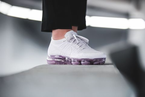 nike-wmns-air-vapormax-flyknit-day-to-night-pack-pink-849557-501-mood-2.jpg