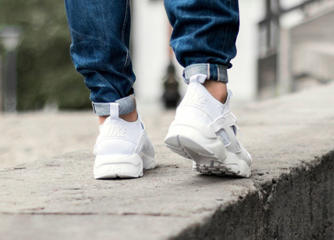 nike-air-huarache-run-ultra---white-3_1_2.jpg