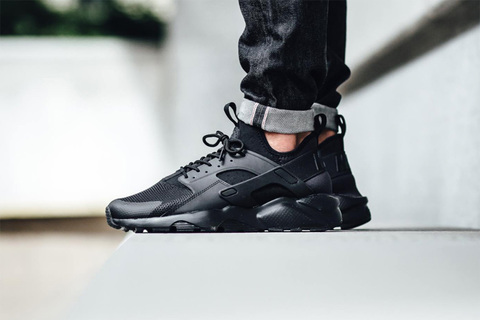 nike-air-huarache-ultra-triple-black-2.jpg