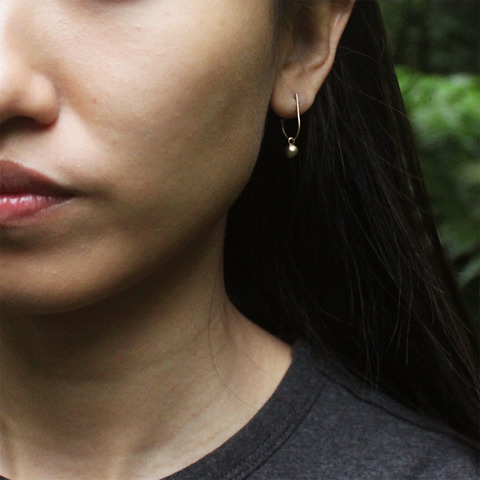 minimal_dot_hoop_earrings_4.jpg