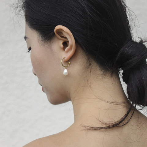 pearl_thick_hoop_earrings_5.jpg