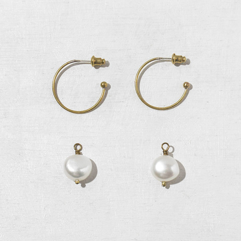 thin_hoop_earrings_with_detachable_pearls.jpg