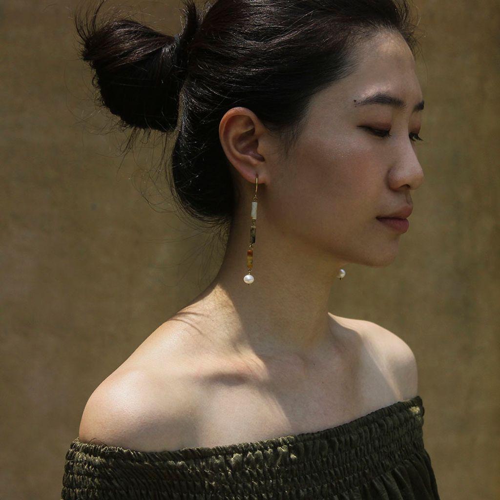 desert_pearl_earrings_7.jpg