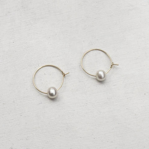 14kgf_pearl_hoop_earrings.jpg