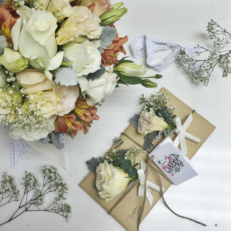 vintage peach bouquet