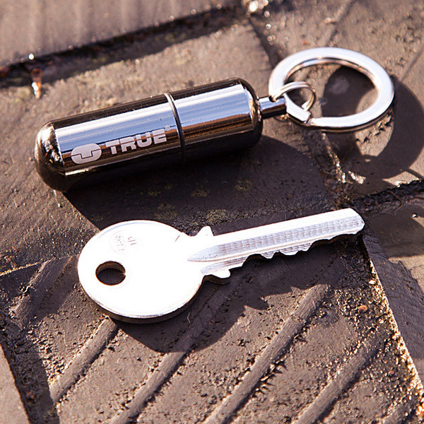 TU-262-waterproof-mini-lighter-keyring-7_grande.jpg