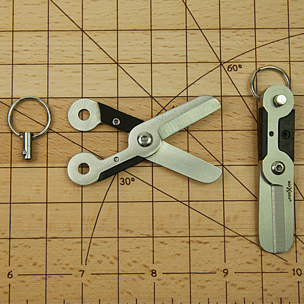 TU249-small-scissors-keyring-3_grande.jpg