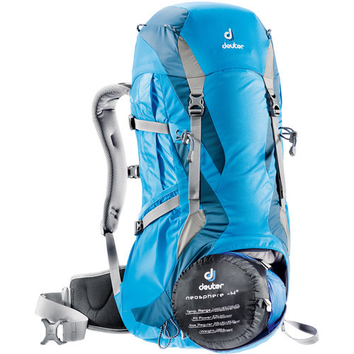 deuter_futura_30SL_torquoise_artic-bottom-pocket.jpg