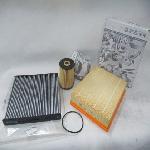 AUDI A5 TURBO ENGINE OIL SERVICE + FILTERS KIT - RM 800 - Copy.jpg