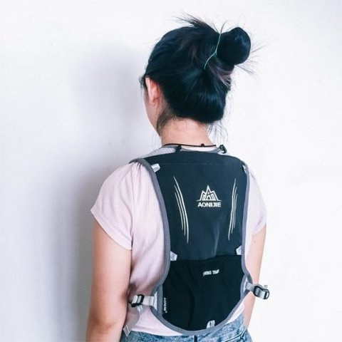 Aonjie 5L Hydration Backpack.jpg