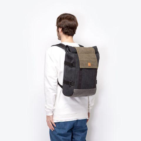 UA-BP-09_Bryce-Backpack_Black-Grey_13.jpg